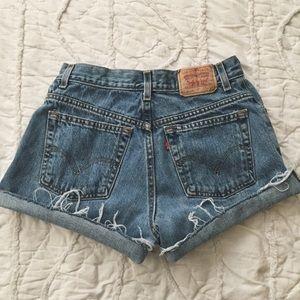 » 550 Levi cut off shorts